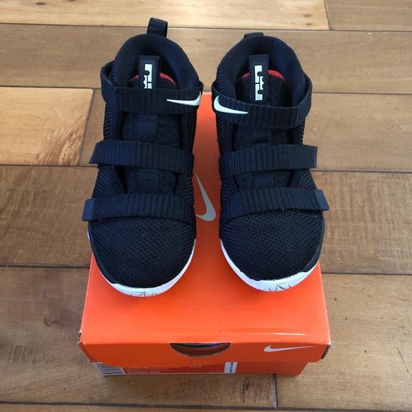 7f5c2dff99fb2 Nike Lebron Soldier XI TD Velcro High Top Shoes. M 5c54458b951996e654f444d4